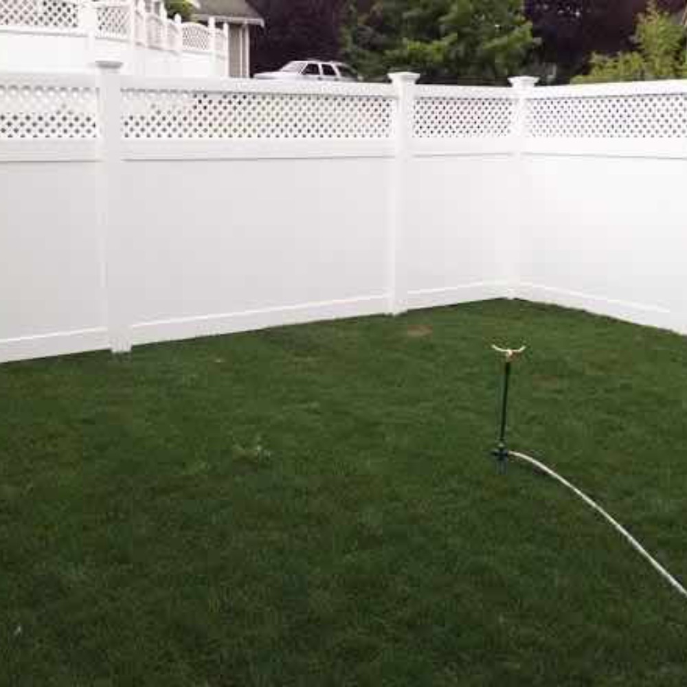 White Vinyl Privacy Fence with Lattice in Lynden, WA; Ferndale, WA; Bellingham, WA